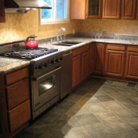 redmond-granite-countertop-and-warm-floor